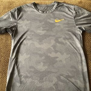Men's Nike Dri-fit Shirt Size L